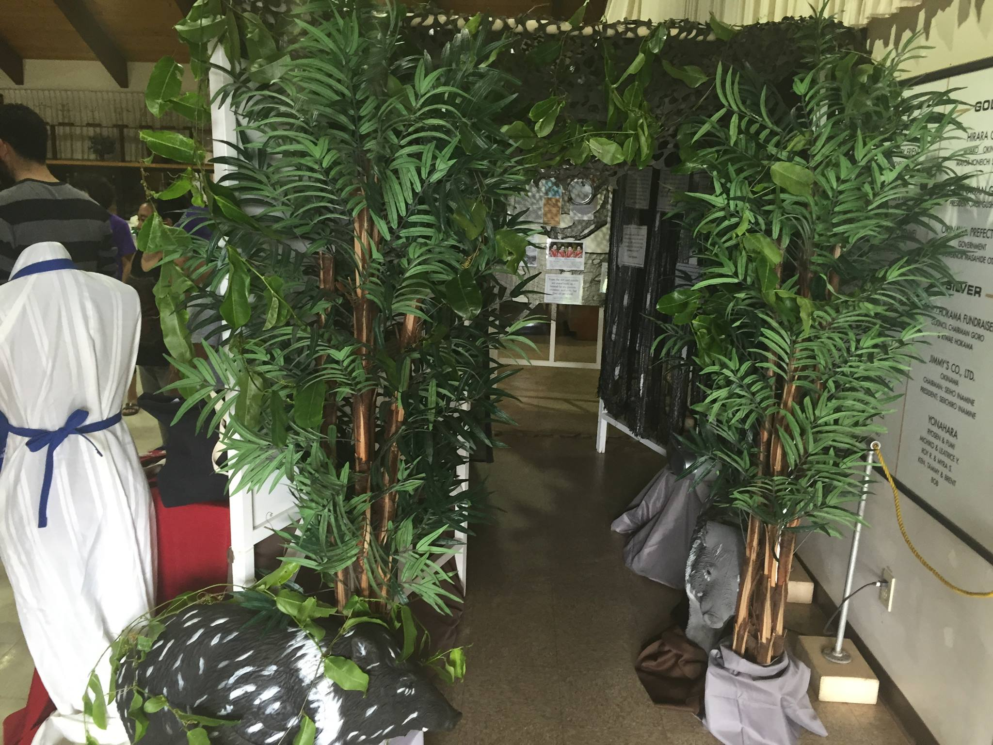 Mock cave and display by Maui groups